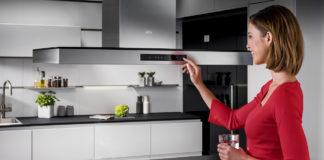 Moderne Dunstabzugshauben glänzen mit schicken Design und smarter Technik