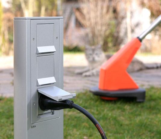 Für Elektroanschlüsse im Freien verhindern Energiesäulen mit Steckdosen Kabelsalat durch Verlängerungskabel und Kabeltrommeln