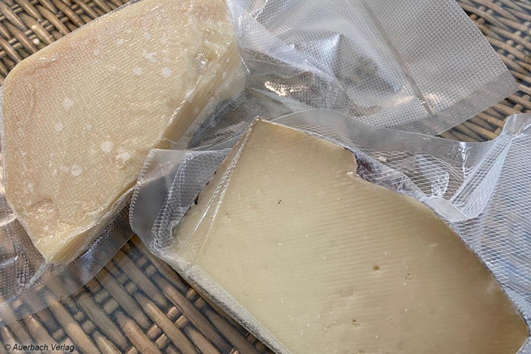 Trockene Lebensmittel wie diese kostspieligen italienischen Hartkäse sind im Handumdrehen aromadicht im Vakuumierer versiegelt