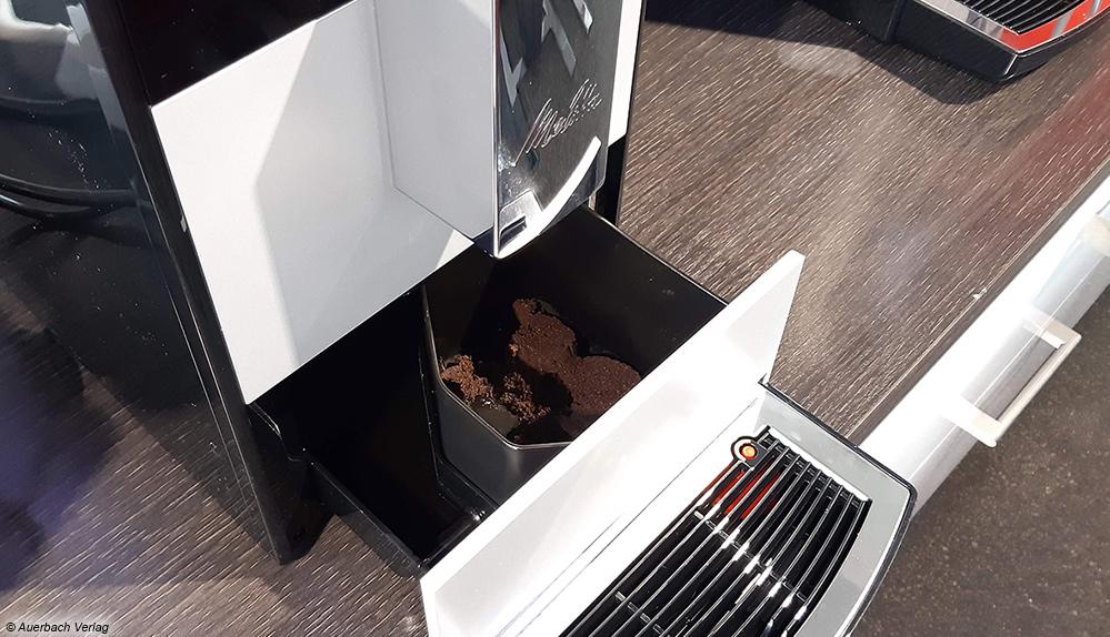 Der Tresterbehälter von Melitta ist einfach zugänglich und lässt sich schnell ausleeren und reinigen
