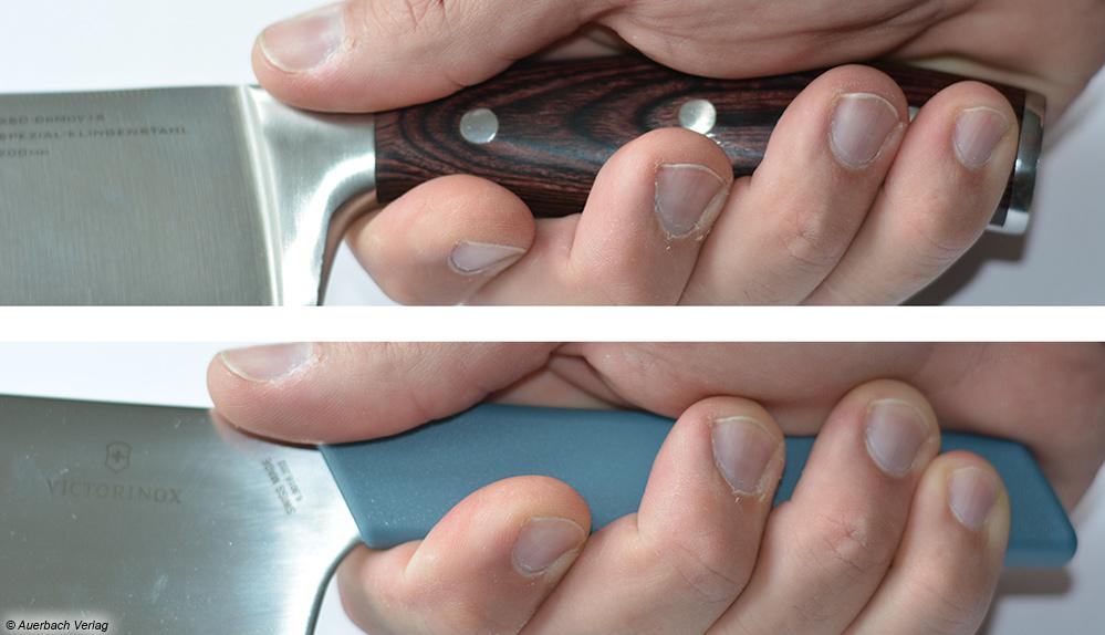 Im direkten Vergleich des blauen Swiss-Modern-Griffs mit dem des Testsiegers erkennt man klar die ergonomischen Unterschiede
