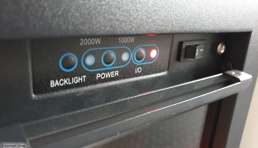 Einige Elektrokamine lassen sich auch über eingebaute Tastenfelder oder entsprechende Touch-Bedienfelder am Gerät selbst steuern