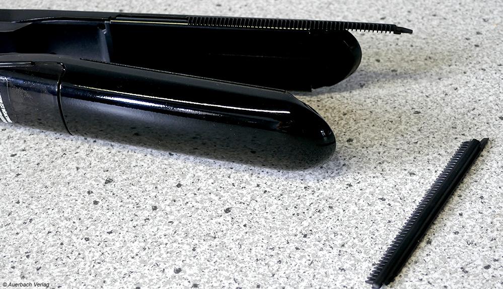 Ein praktisches Detail bei BaByliss: Die beiden Kämme an den Seiten der Heizplatte sind mit einem Handgriff abnehmbar