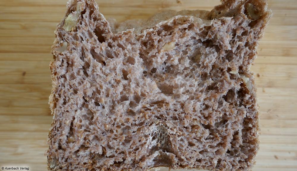 Wie im Aufschnitt gut zu erkennen, ist das Brot beim Gerät von Morphy Richards leider nicht vollständig aufgegangen