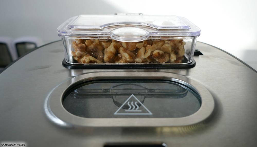Für Zusätze wie Nüsse oder Rosinen gibt es bei allen Automaten, außer beim Modell von Eta, ein separates Fach