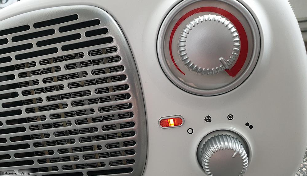 """Unser """"lustigstes"""" Gerät im Test erinnerte an ein Radio mit den entsprechenden Bedienknöpfen und dem Schutzgitter vor den Heizelementen"""