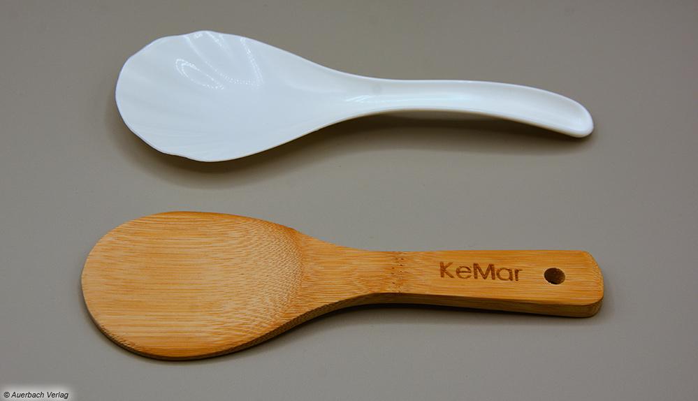 Der dem KeMar-Kocher beigelegte Löffel aus Bambus wirkt authentischer und stabiler als ein Plastiklöffel