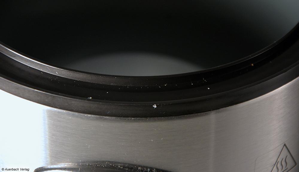 Das Plastikprofil des Prinz-Kochers zum Auffangen des Kondenswassers lässt sich nur schwer reinigen was sich auch auf die Bewertung des Gerätes auswirkt
