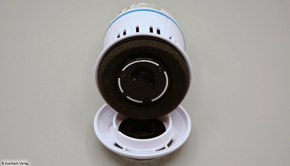 Der PediVac bietet einen leicht zu reinigenden Auffangbehälter für eingesaugte Hautpartikel