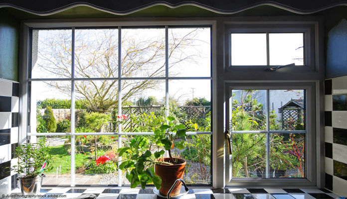 Fliesen Küche Fenster Garten Frühjahrsputz
