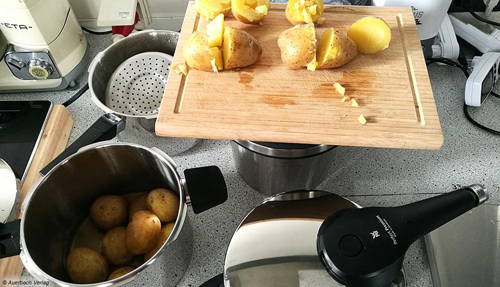 Test der Kartoffeln: Welche sind vollständig gar? Alle Schnellkochtöpfe liefern hier gute bis sehr gute Ergebnisse ab