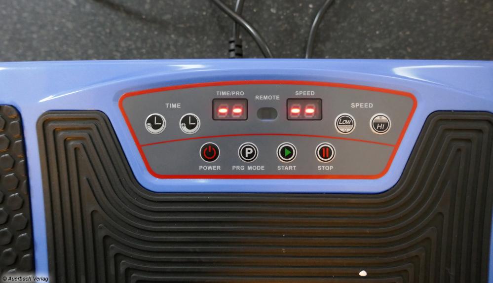 Die Displayanzeige der Vibrationsplatte von Newgen Medicals ist simpel gestaltet und einfach zu bedienen, könnte jedoch größer sein
