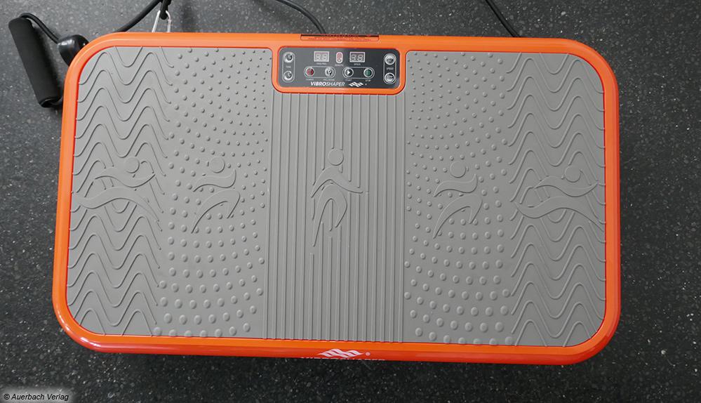 Die schmale Platte des VibroShapers bietet nicht besonders viel Spielraum für Übungen, doch kann sie 150 kg tragen