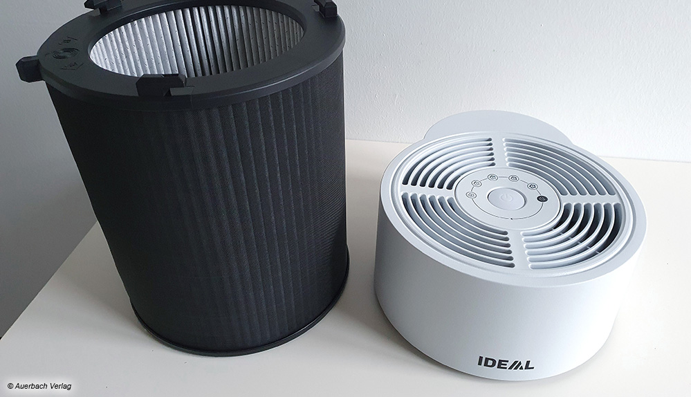 Ideal hat eine clevere Idee: Der Rundfilter ist gleichzeitig das Gehäuse des Gerätes. Zur optischen Verbesserung wird einfach eine Hülle darüber gespannt