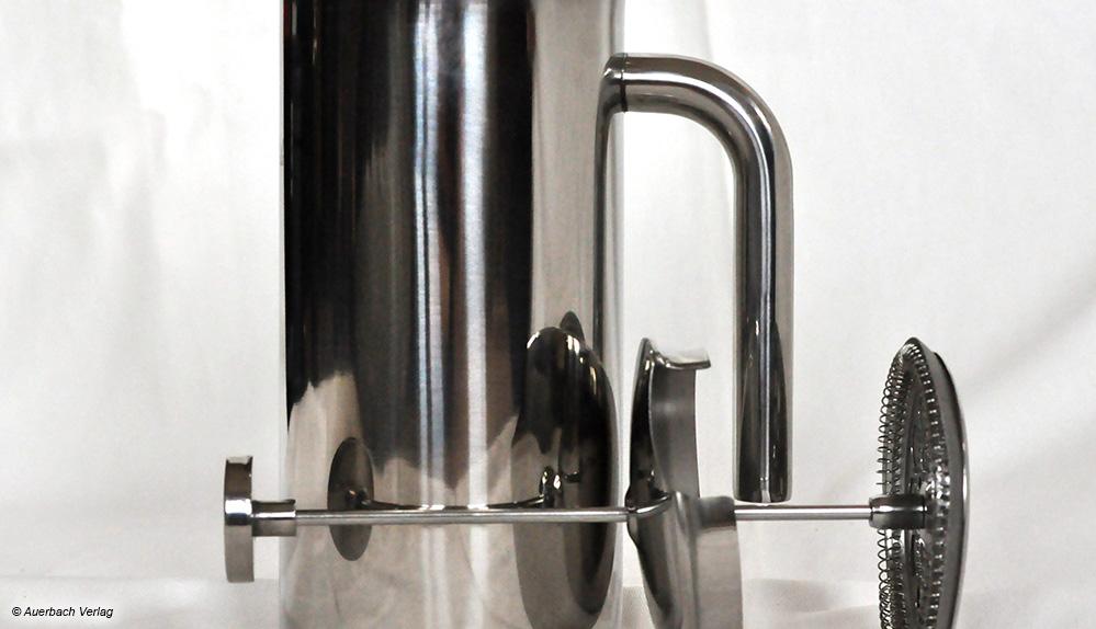 Die doppelwandige Metallkaraffe von Rosenstein & Söhne hält den Kaffee lange warm, trotz dünnem Deckel