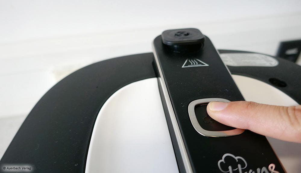 Sicherheitsbonus: Mittels Knopfdruck kann beim Multicooker von Rommelsbacher vor dem Öffnen der Dampf abgelassen werden
