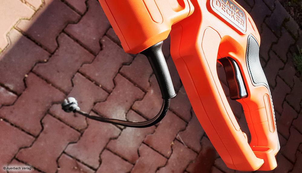 Die kurzen Anschlussleitungen bei den Netzgeräten sollen ein versehentliches Kappen und damit eine teure Reparatur verhindern