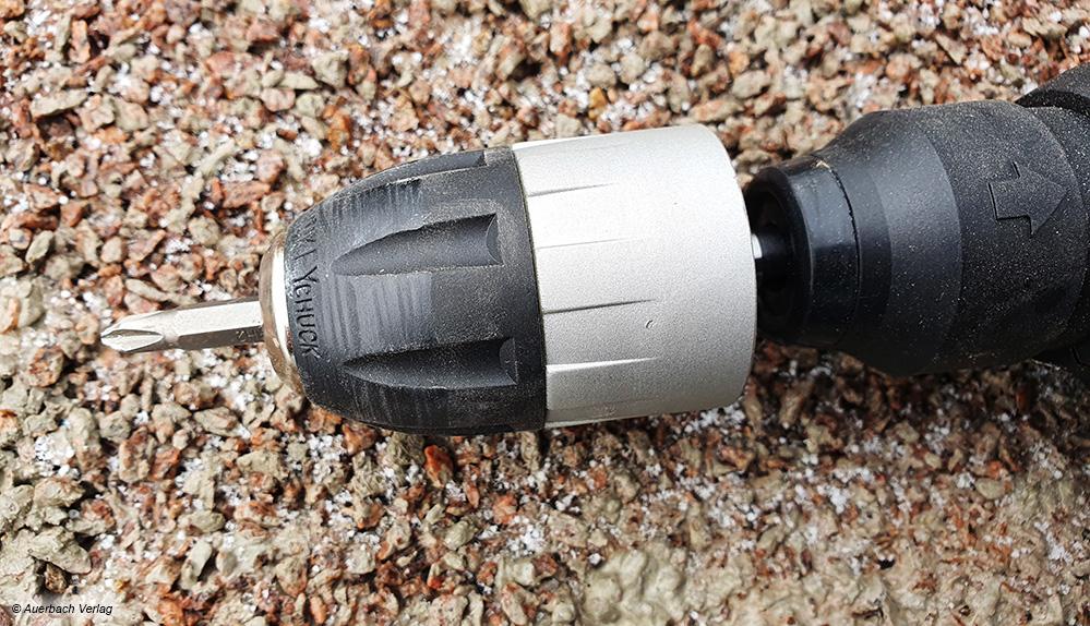 Ein spezieller Aufsatz am Worx-Gerät erlaubt auch das komfortable Schrauben mit dem Multifunktionsgerät