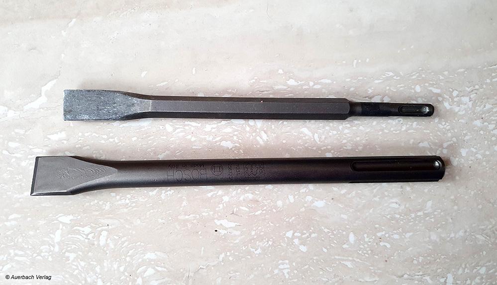 SDS- und SDS-max-Werkzeuge unterscheiden sich vor allem in der Größe, SDS max (unten) ist auch für größere Abrissarbeiten geeignet