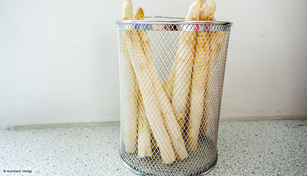 Der Innenkorb des Beka ist deutlich feinmaschiger als bei der Konkurrenz und eignet sich deshalb auch gut zum Spaghettikochen
