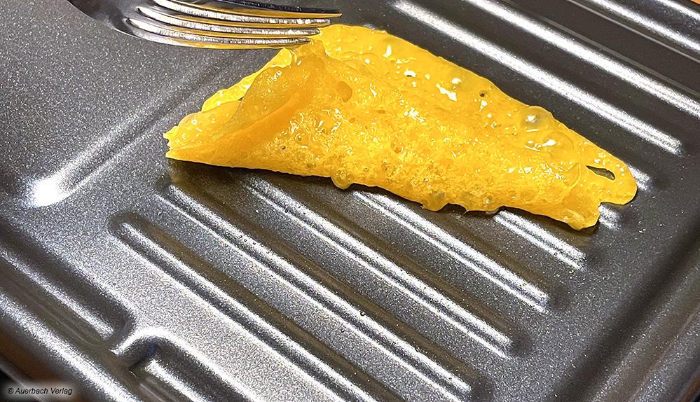 Der Schmelzkäse klebt nicht an der Grillplatte fest, sondern ist auch später noch jederzeit leicht entfernbar