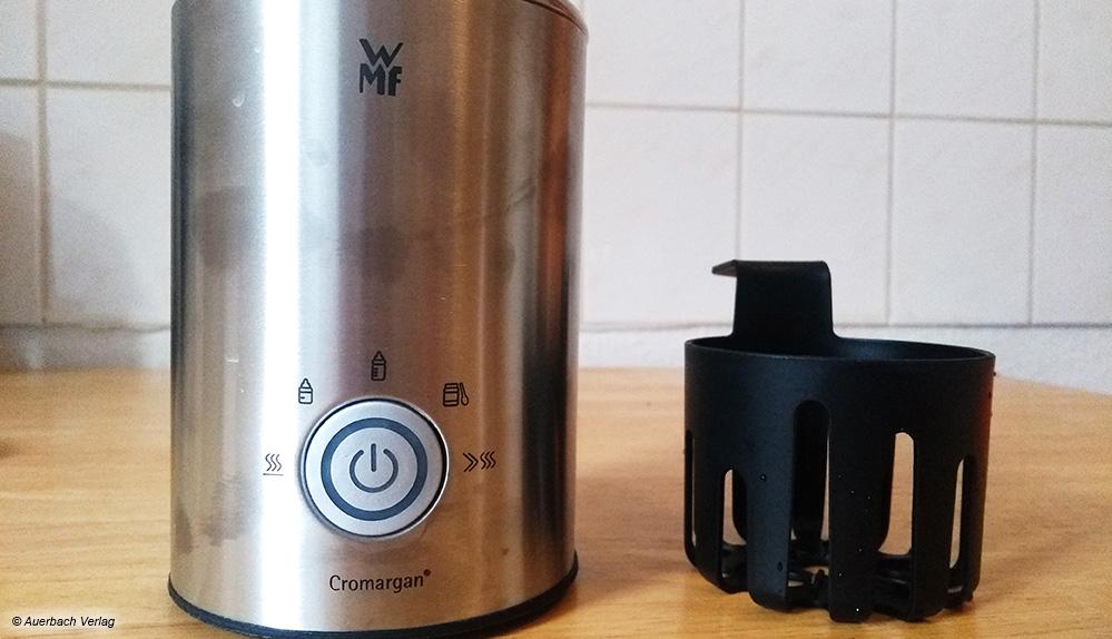 Der Mini-Babykostwärmer von WMF besteht aus einem Wasserbad-Behälter plus Einsatz und ist anfällig für Fingerabdrücke
