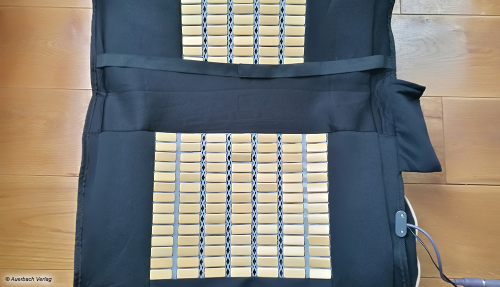 Die Bambusplatten der Vibrationsauflage von Newgen Medicals haben eine kühlende Wirkung an heißen Sommertagen
