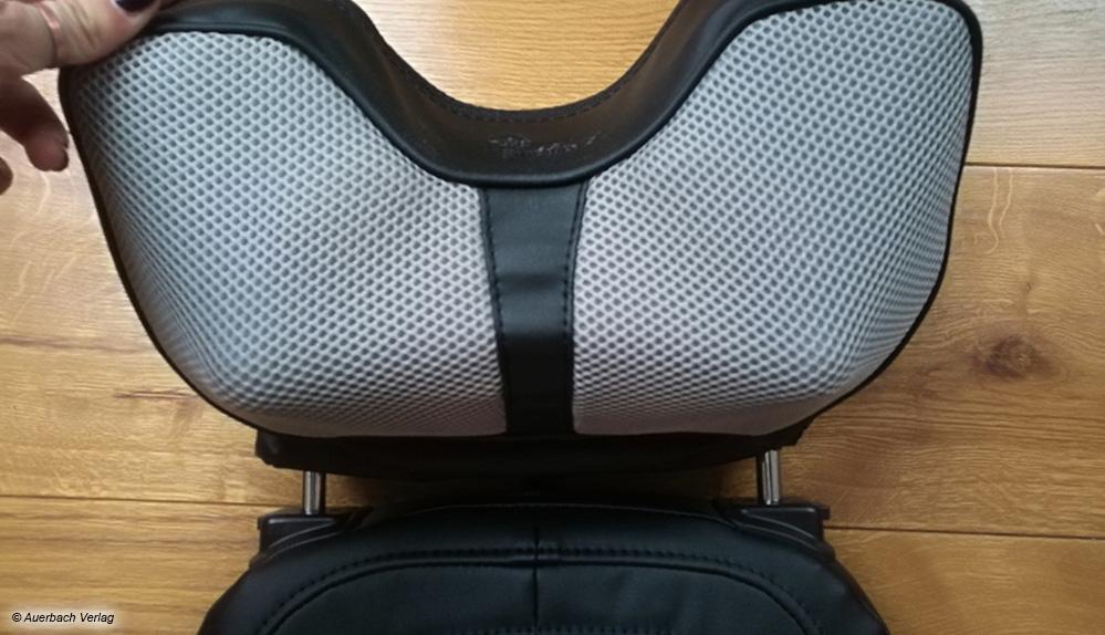 Bei der Shiatsu-Auflage aus dem Hause Newgen Medicals ist die Nackenstütze um bis zu 90 Grad verstellbar
