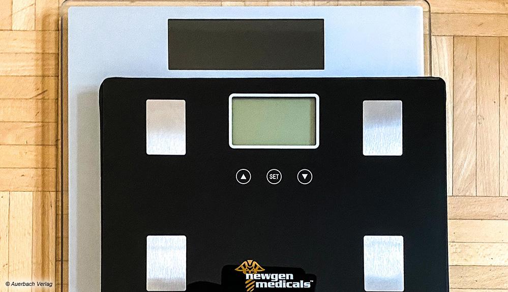 Eine Frage der Größe: die kompakte Waage von Newgen Medicals im Vergleich zur bequem großen Soehnle Style Sense Comfort 600