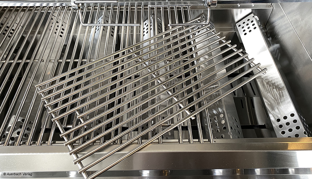 Dieser Innenraum des Gasgrills aus Edelstahl (Maxxus Genius) kann in Einzelteilen entnommen und somit besonders leicht gereinigt werden