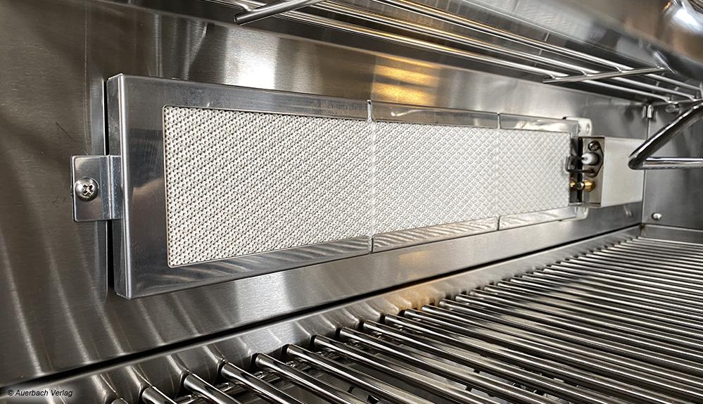 Der Genius von Maxxus bietet einen Hochtemperatur-Keramikbrenner, mit dem das Fleisch am Grillspieß knusprig gelingen soll