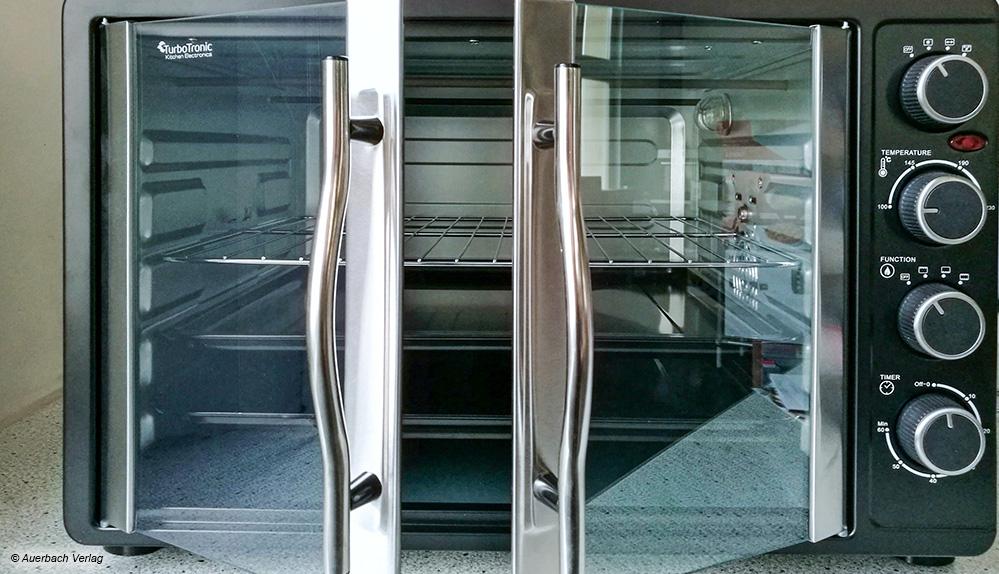 Die praktischen Zweifachtüren vom Turbotronic lassen sich einfach öffnen und sehen dazu noch total schick aus