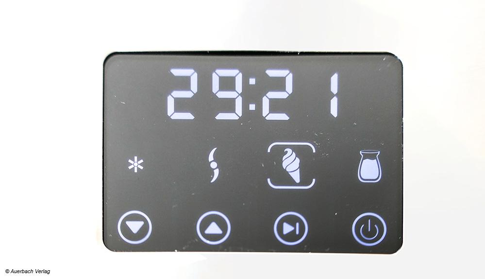 Bei der Eismaschine EZ 7406 von Severin kann mittels Touchbedienung zwischen vier Programmen gewählt und ein Timer eingestellt werden