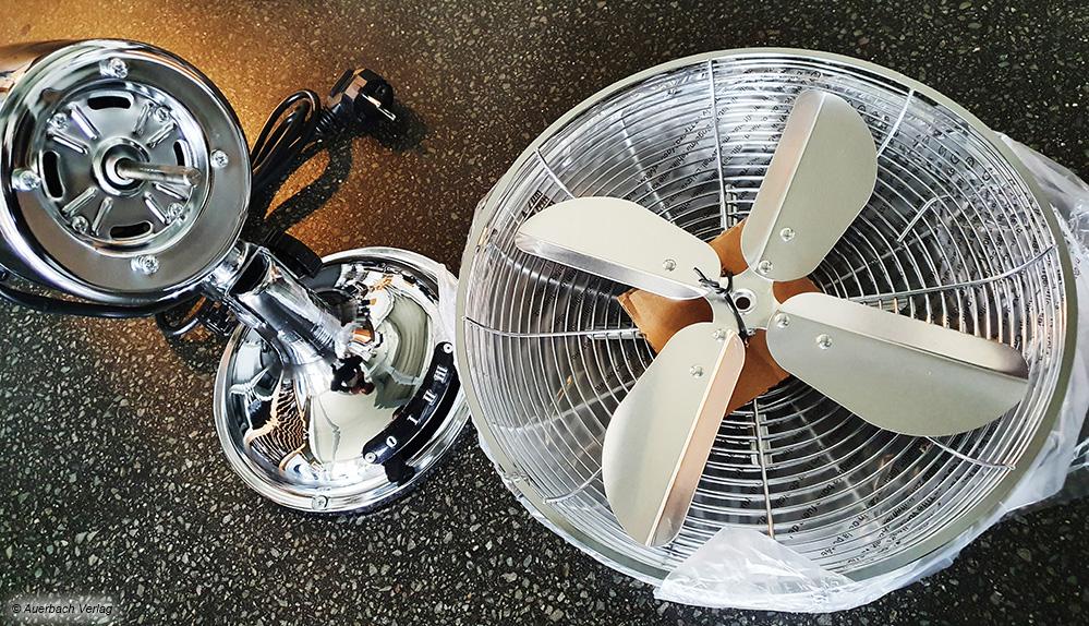Einige Ventilatoren werden nur vormontiert ausgeliefert und müssen vor dem ersten Einsatz erst zusammengebaut werden
