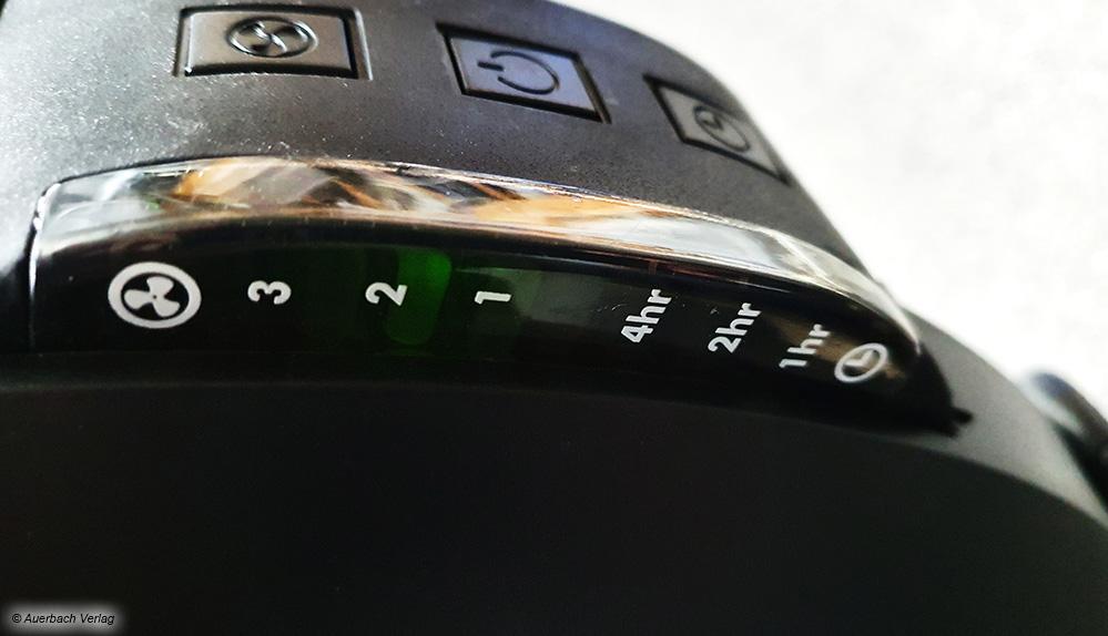 Drei Lüfterstufen sind bei fast allen Geräten Standard. Hinzu kommen oft auch Extrafunktionen wie ein Ausschalt-Timer