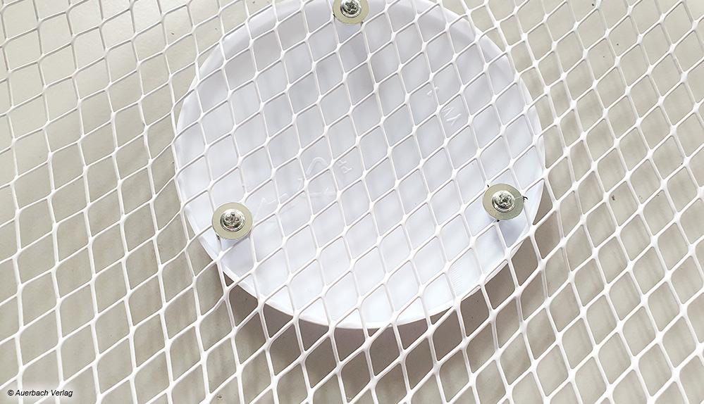 Etwas übertrieben: Bei einem Ventilator von Suntec muss sogar das Firmenlogo vom Käufer angeschraubt werden