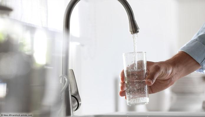 Wasserhahn Glas