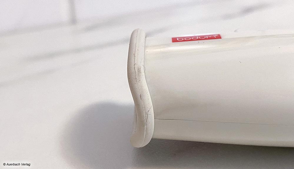 Die Verarbeitung einiger Geräte lässt eher zu wünschen übrig, ungünstig sind darüber hinaus schnell verschmutzende Kunststoffe