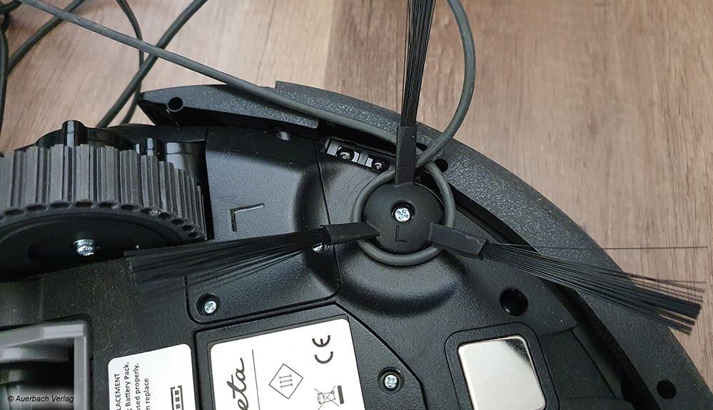 Freiliegende Kabel können sich schnell in den seitlichen Bürsten verheddern und den Roboter in den Fehlermodus versetzen