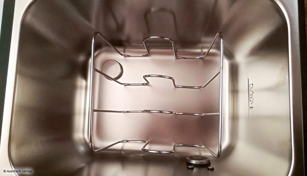 Das Edelstahlgitter beim SV 500 ermöglicht das gleichzeitige Garen von bis zu vier Sous-vide-Beuteln